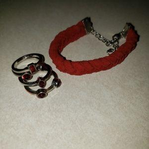 🦄FREE🦄Ruby red rings & suede bracelet